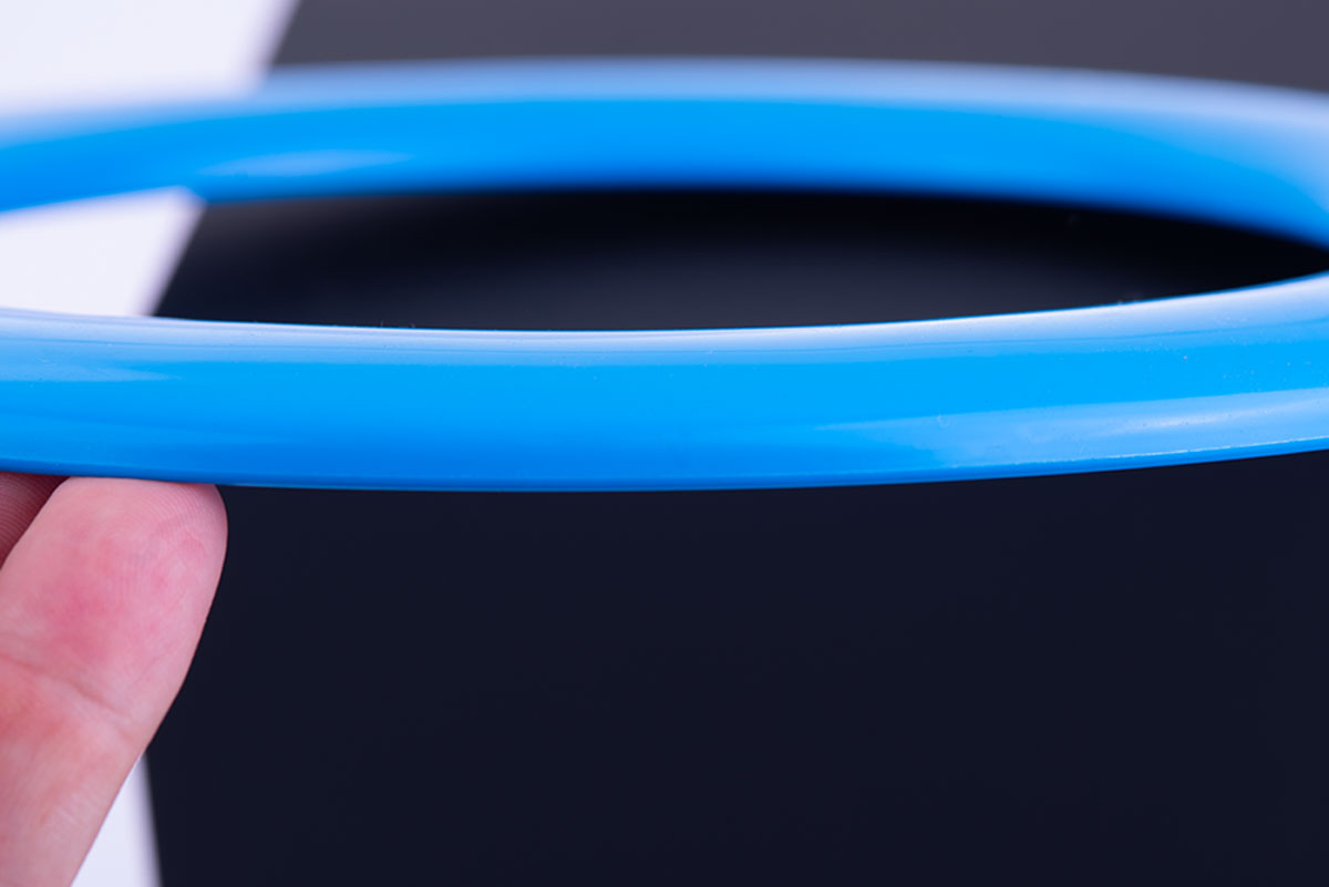 plastic injection of a frisbee